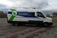 В фургоне установлены газоанализаторы, которые определяют, есть ли в воздухе девять вредных веществ.