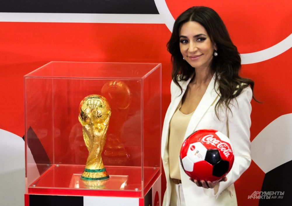 Певица Зара - посол чемпионата мира.