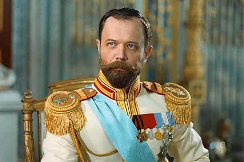 Актер Андрей Ростоцкий сыграл царя целых шесть раз. В 1989 году он исполнил эту роль в картинах «Свой крест», «Запрещенные люди» и «Европа танцевала вальс». В 1993 году снялся в фильмах «Раскол» и «Сны» (на фото), и, наконец, в 2001 году — в ленте «Жизнь и смерть Петра Столыпина».