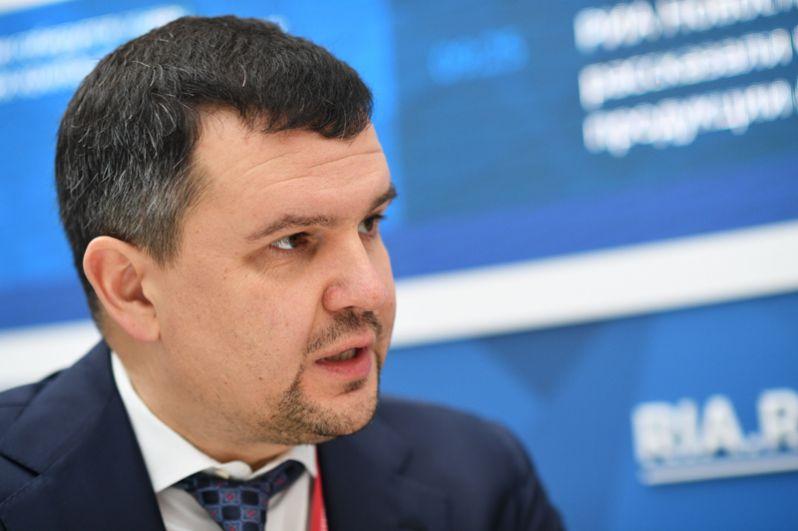 Заместитель руководителя аппарата правительства Максим Акимов занял пост вице-премьера по вопросам цифровой экономики, транспорта и связи.