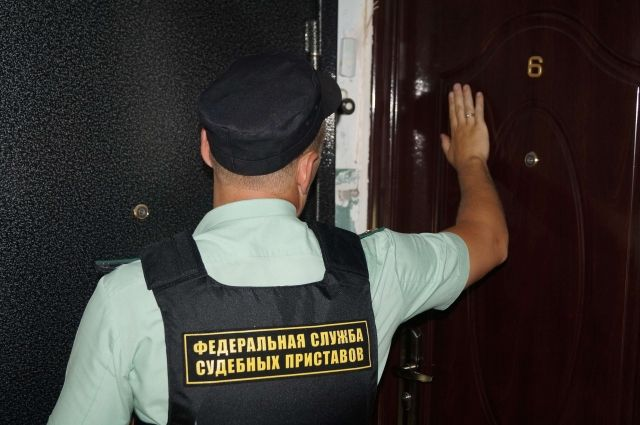 Приставы начали проводить рейды подолжникам закапремонт вВолгограде