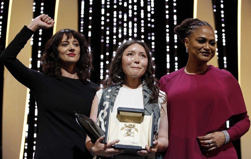 Азия Ардженто, Самал Еслямова (приз за лучшую женскую роль) и Ава Дюверней.