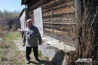 Пенсионер Власов не может доказать в суде, что 20 лет назад купил дачный участок и дом.