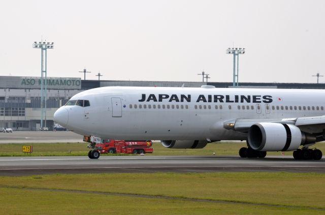 ВТокио при взлете зажегся Boeing-767 Japan Airlines