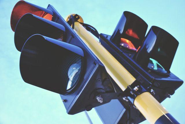 В окружном центре дорожное движения регулируется при помощи 51 светофора