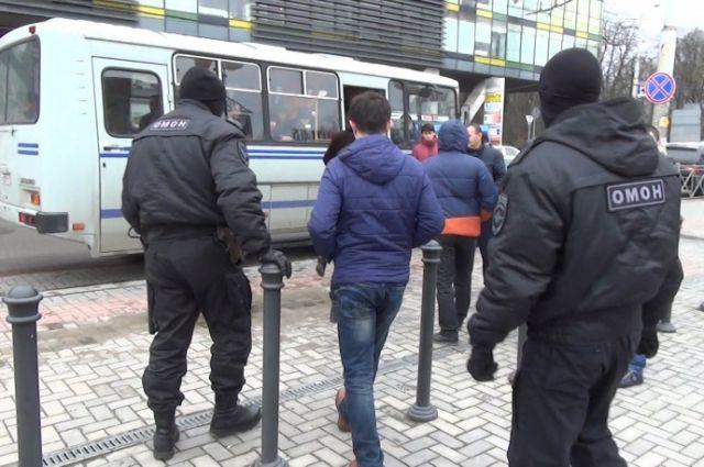 Из Калининграда выдворили 13 иностранцев, «забывших» вовремя уехать из РФ.