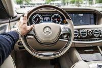 Мужчина был за рулем автомобиля Mercedes Benz