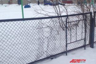 Старые заборы есть не только в школах, но даже в садиках Пермского края.