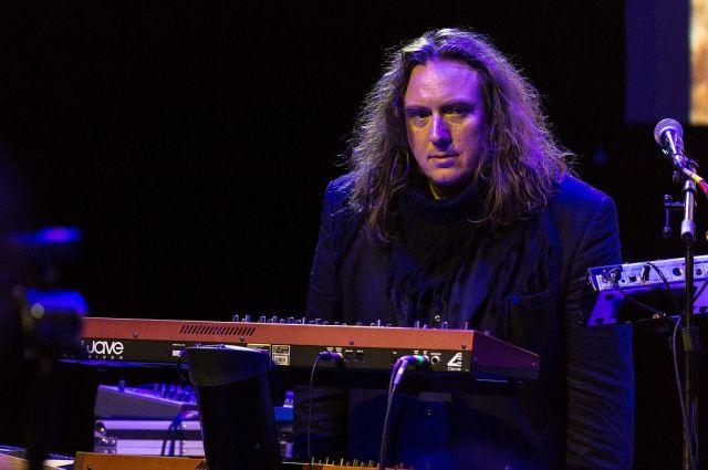 Торстен Квешинг - клавишник, ударник и вокалист группы.