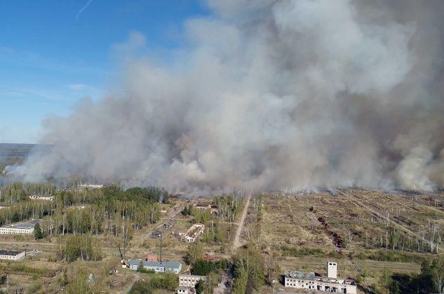 Пожар на территории бывшего арсенала в Пугачево полностью ликвидирован