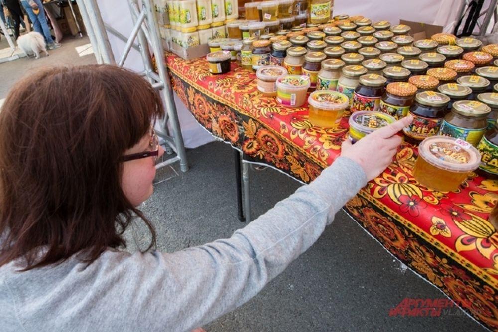 Мед, добытый в Уссурийской тайге, ценят и в России, и за рубежом.