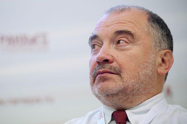 Николай Петров.