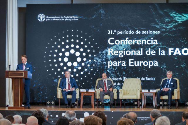 Алексей Гордеев подчеркнул, что Региональный форум ФАО - ещё один шаг к укреплению международного сотрудничества в области продовольственной безопасности.