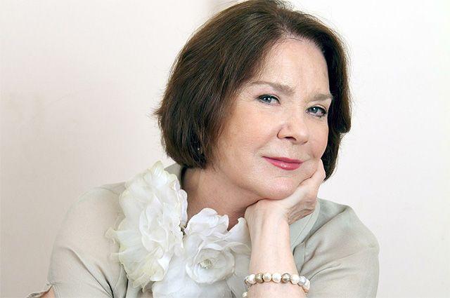 Лариса Голубкина.