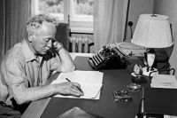 Михаил Шолохов в своем рабочем кабинете в станице Вешенская. 1960 г.