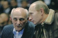 Путин поддерживал связь с тренером даже после того, как стал президентом.