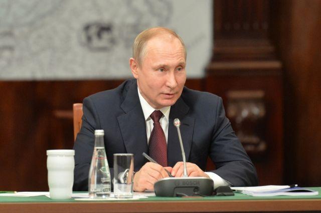 Путин задумался обувеличении числа пожарных после трагедии вКемерово
