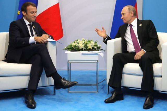 Встреча В.Путина  иМакрона предполагается  24мая в северной столице  — Посольство Франции