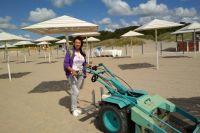 Валентина Зверькова: «Такими машинами наши сотрудники просеивают сотни кубов песка ежедневно».