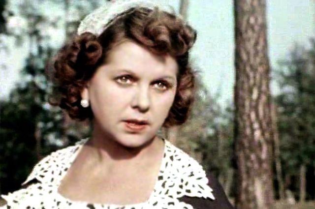Вера Орлова в фильме «Драгоценный подарок», 1956 г.