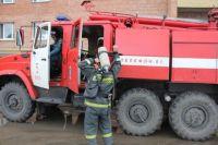 Пожарные спасли людей.