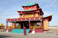 Усть-Ордынский окружной дацан «Тубдэн Даржелин», название которого с тибетского переводится как «Земля Возрождения».