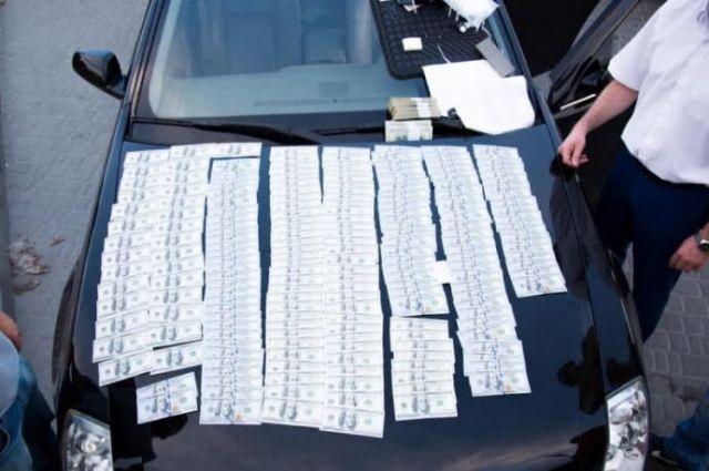 Под Киевом глава сельсовета требовал взятку в размере 90 тысяч долларов