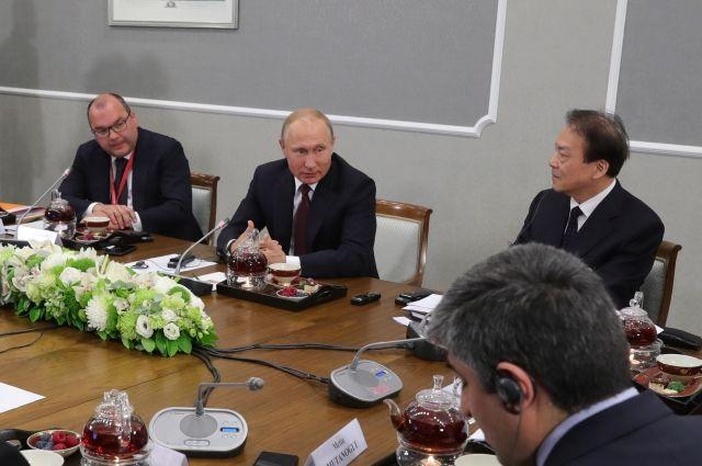 Путин пообещал небаллотироваться впрезиденты в 3-й раз подряд