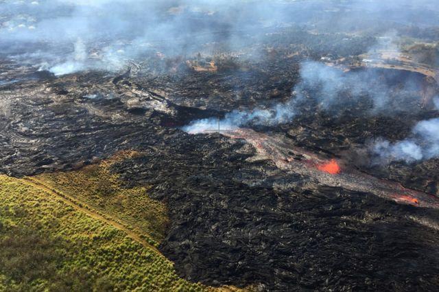 Лава вулкана Килауэа наГавайях может отрезать последний путь для эвакуации населения