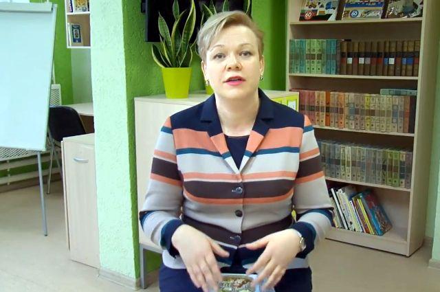 В акции «Читаем вместе» приняла участие руководитель центра «Семья»