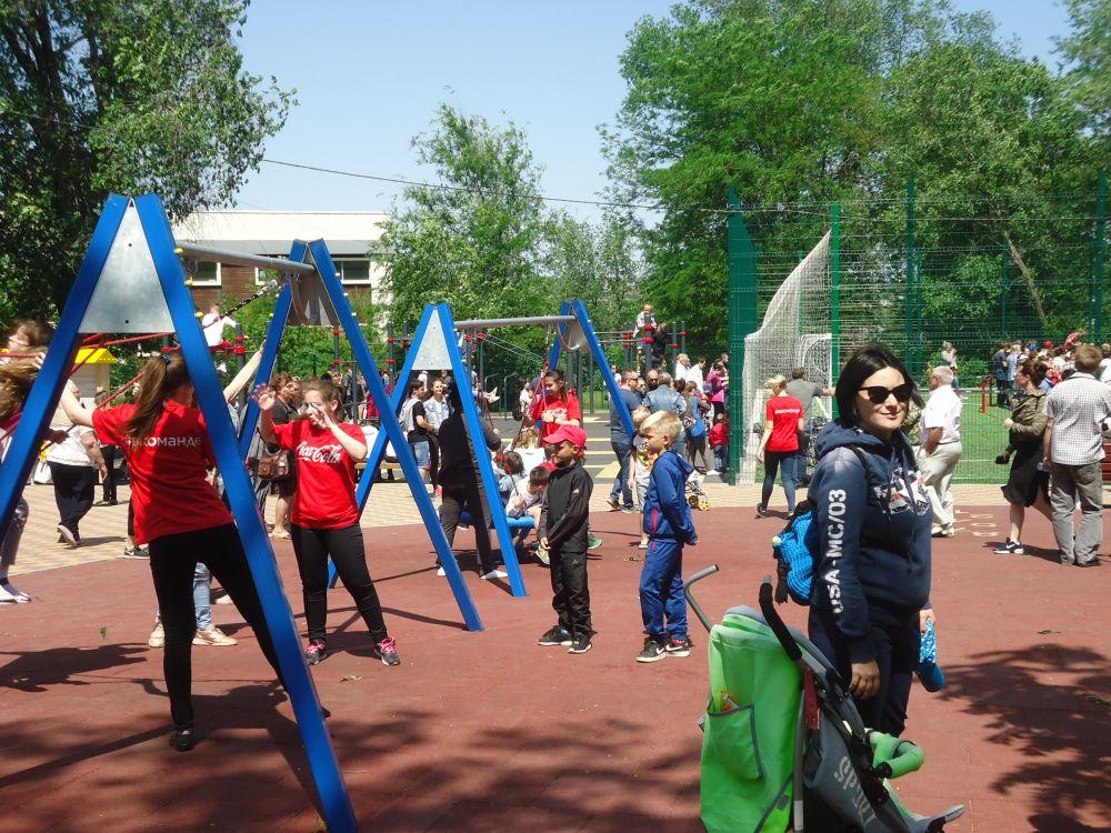 В донской столице открыли детский инклюзивный парк, приспособленный для занятия спортом и отдыха детей с ограниченными возможностями здоровья.