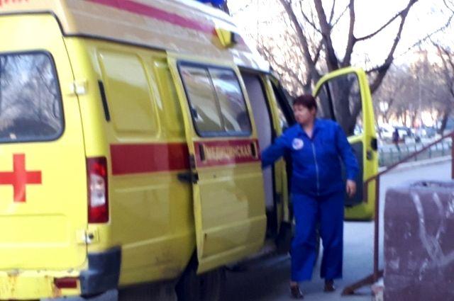 В Тюмени на улице Чернышевского молодой водитель спровоцировал ДТП