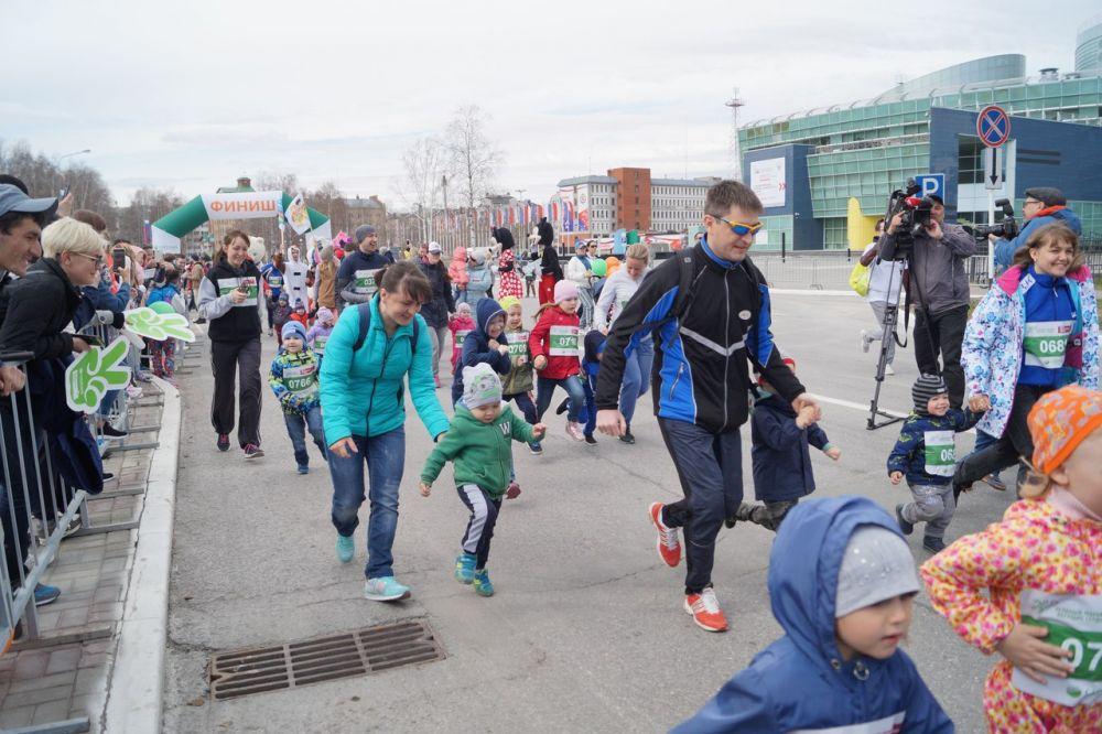В программе Зеленого марафона «Бегущие сердца» – детский забег, взрослый забег на дистанции 4,2 км, 10 км