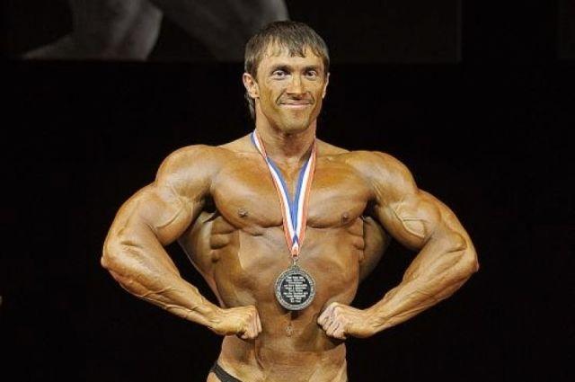 Барнаулец Александр Барбашин стал победителем чемпионат Европы по бодибилдингу в категории Games Classic bodybuilding.