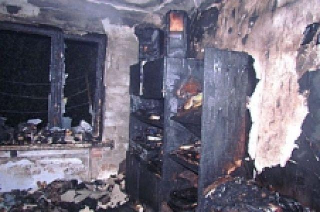 В Оренбурге при пожаре погиб 7-летний ребенок.