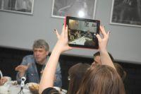 Накануне премьеры режиссёр встретился с омскими журналистами.