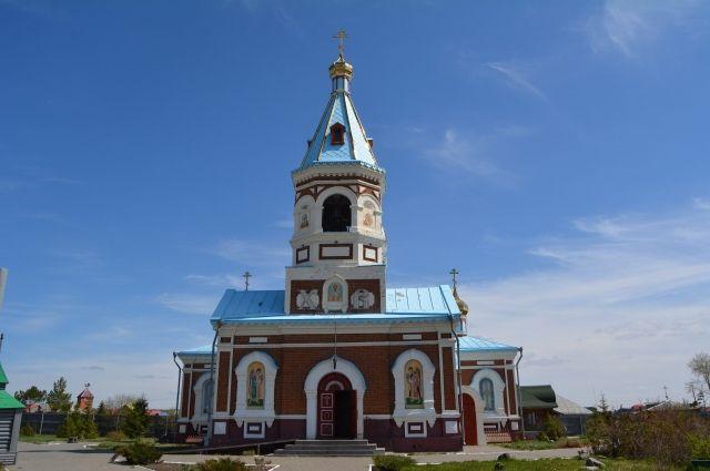 Свято-Никольская церковь на территории монастыря.