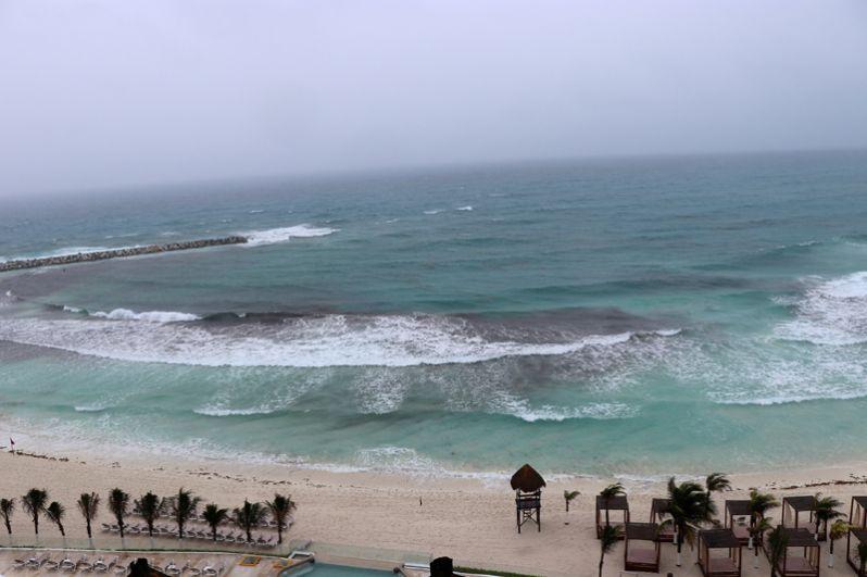 Шторм «Альберто» подходит к Канкуну, Мексика.