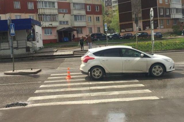 На улице Юрша автомобиль Ford Focus сбил 14-летнюю девочку.