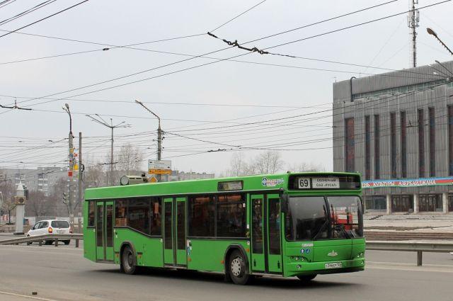 Жителям м-на Солнечный теперь придется добираться на двух автобусах.