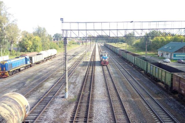 В Кемеровской области с рельсов сошли вагоны с углем.