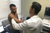 Популярному украинскому боксеру Ломаченко сделают операцию