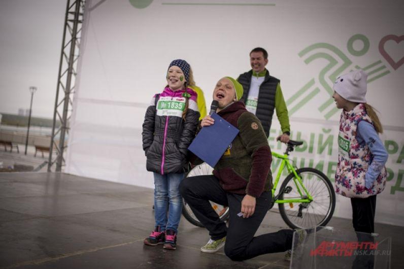 Победителей марафона наградили ценными призами.