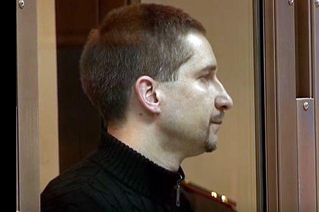 Майор-убийца Евсюков на тесноту в камере не жалуется.