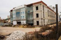 Много лет филармония оставалась самым неприглядным зданием в городе.