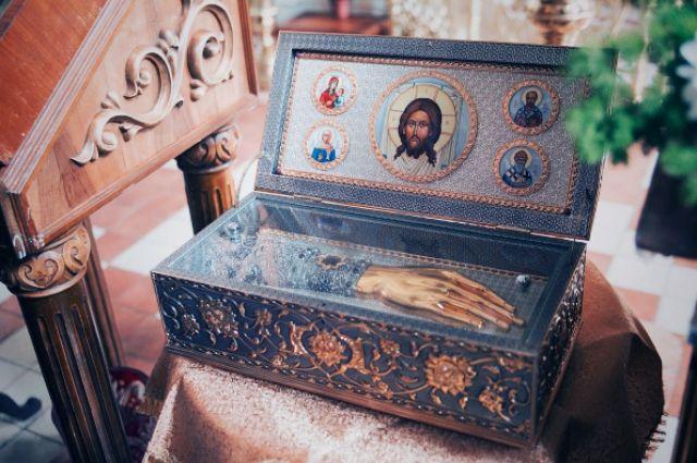 Поклониться святыне можно будет с 06:00 до 19:00 ежедневно.