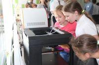 Работа 3D-принтера заинтересовала детей.