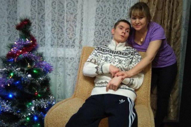 Надежда Борисовна ухаживает за сыном уже почти 5 лет.