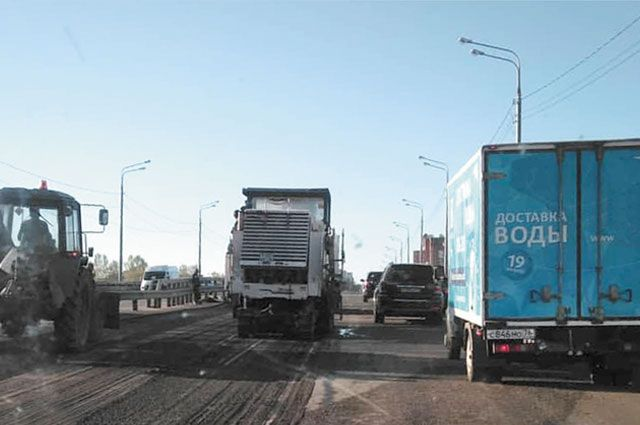 На Толбухинском мосту ремонт выполнен с нарушениями.