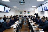 16 вопросов за полдня работы рассмотрели депутаты Думы города Ханты-Мансийска на совместной комиссии, которая прошла с участием руководителей органов Администрации города.